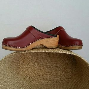 Clogs size 5.5 6, Europe 33
